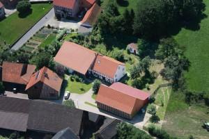 Luftbildaufnahme des Biohofes Demann in Amelsen